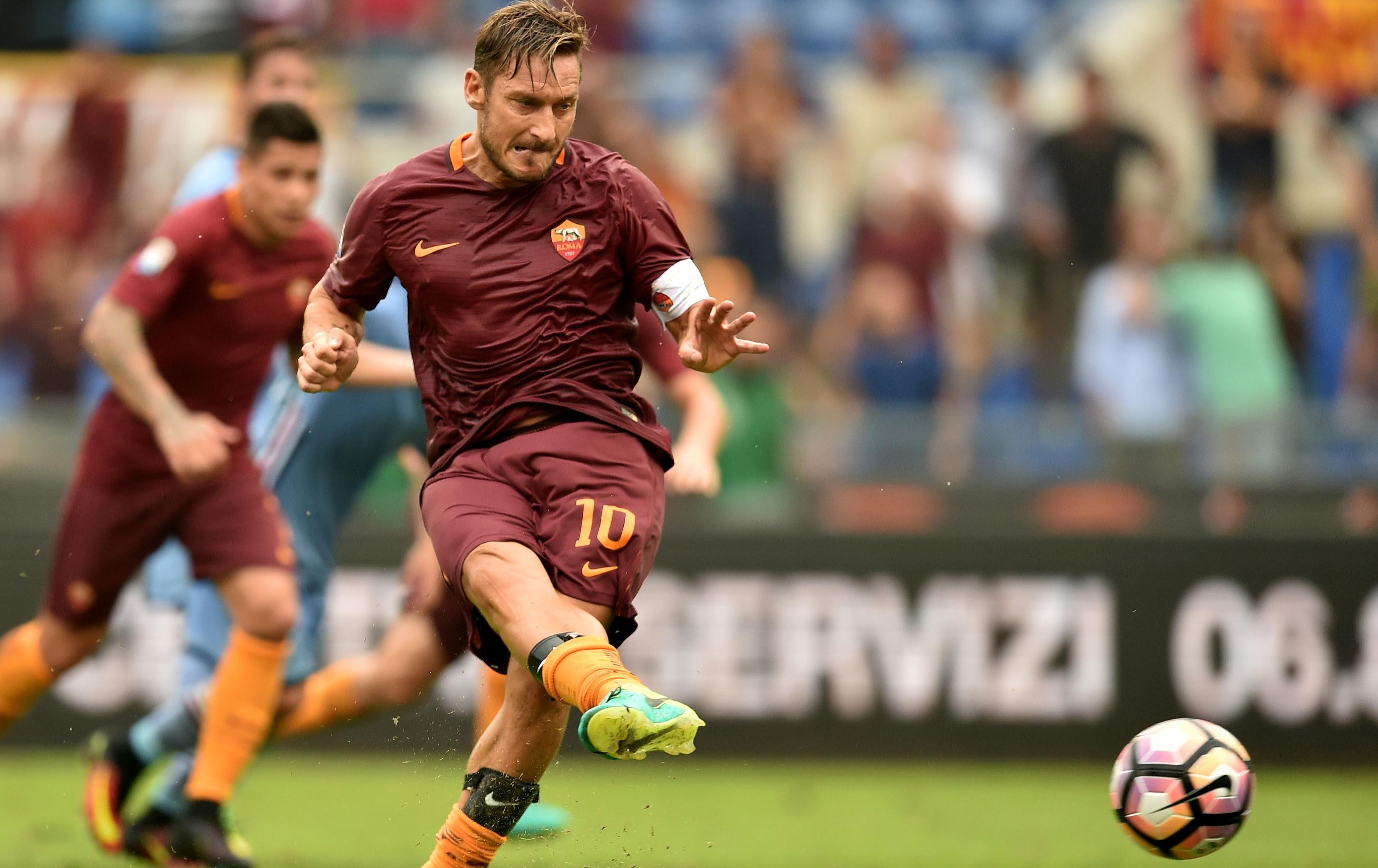L'ultima cena da giocatore di Totti: con la squadra ma senza Spalletti