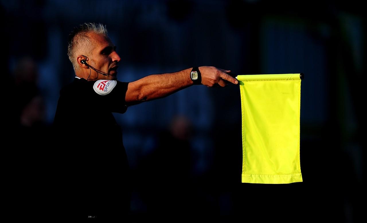 Image result for ไลน์แมนบอลโลกไม่ยกธงล้ำหน้าจังหวะก้ำกึ่ง