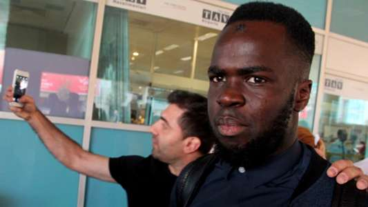 Cheick Tiote at Istanbul airport