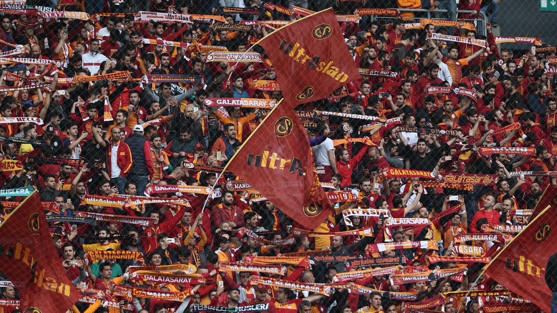 Galatasaray Fenerbahce Galatasaray fans STSL 04232017