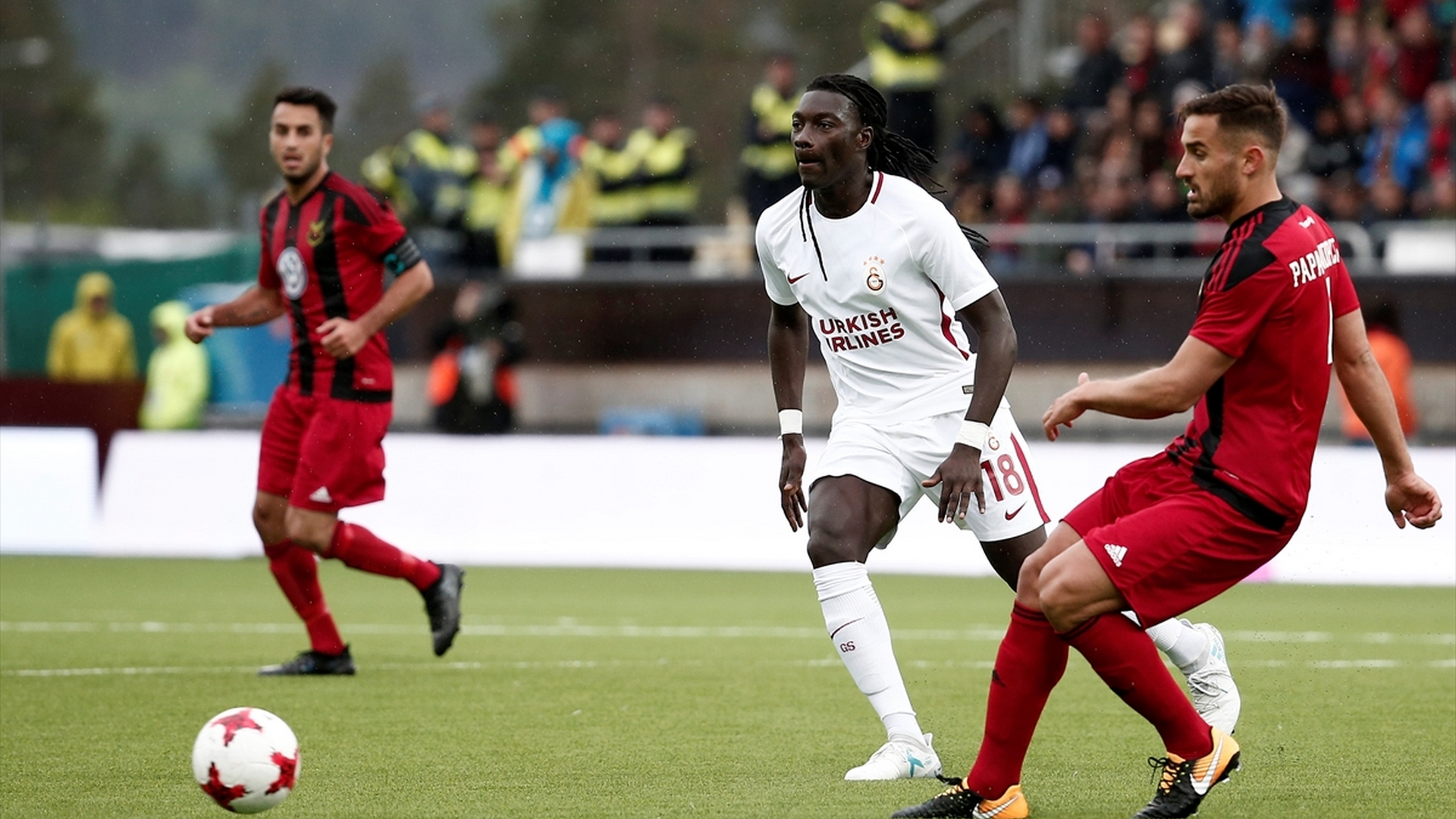 Bafetimbi Gomis Ostersunds Galatasaray 1372017 UEL