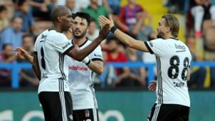 Ryan Babel Tolgay Arslan Caner Erkin Besiktas goal celebration 992017