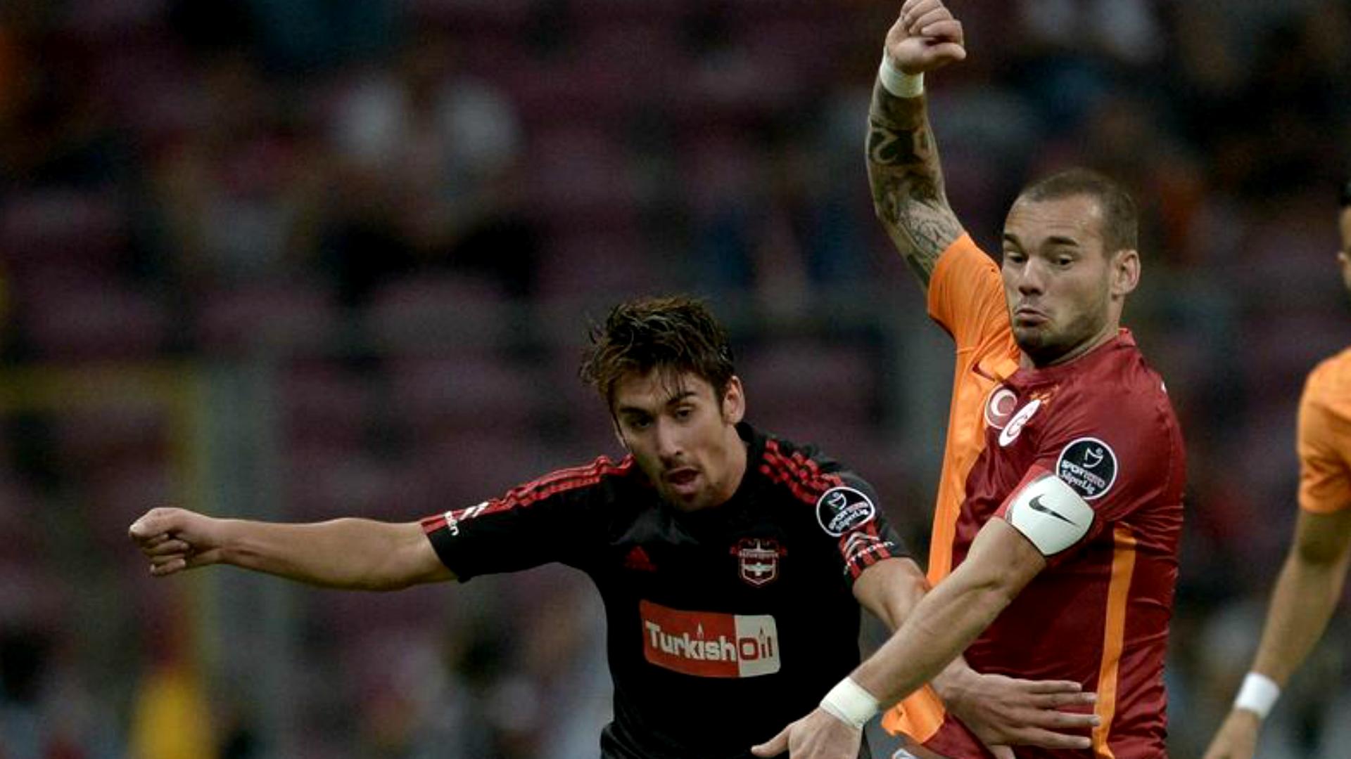 Galatasaray Gaziantepspor Orkan Cinar Wesley Sneijder