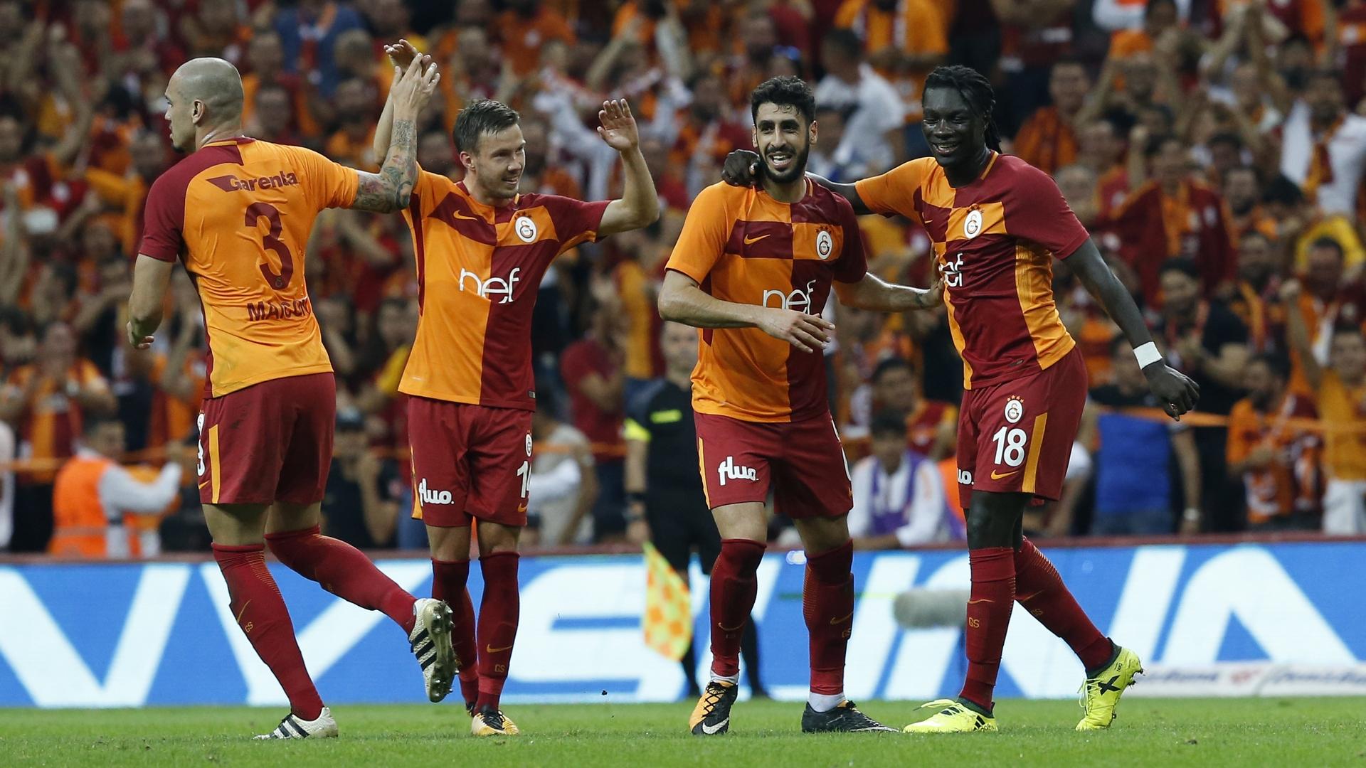 Maicon Linnes Tolga Cigerci Bafetimbi Gomis Galatasaray