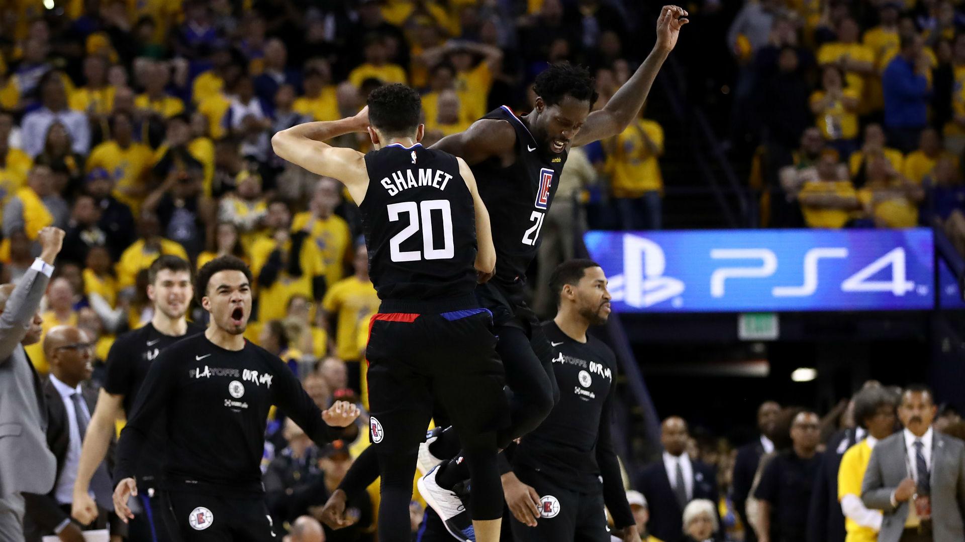 Curry bate el récord de triples en playoffs