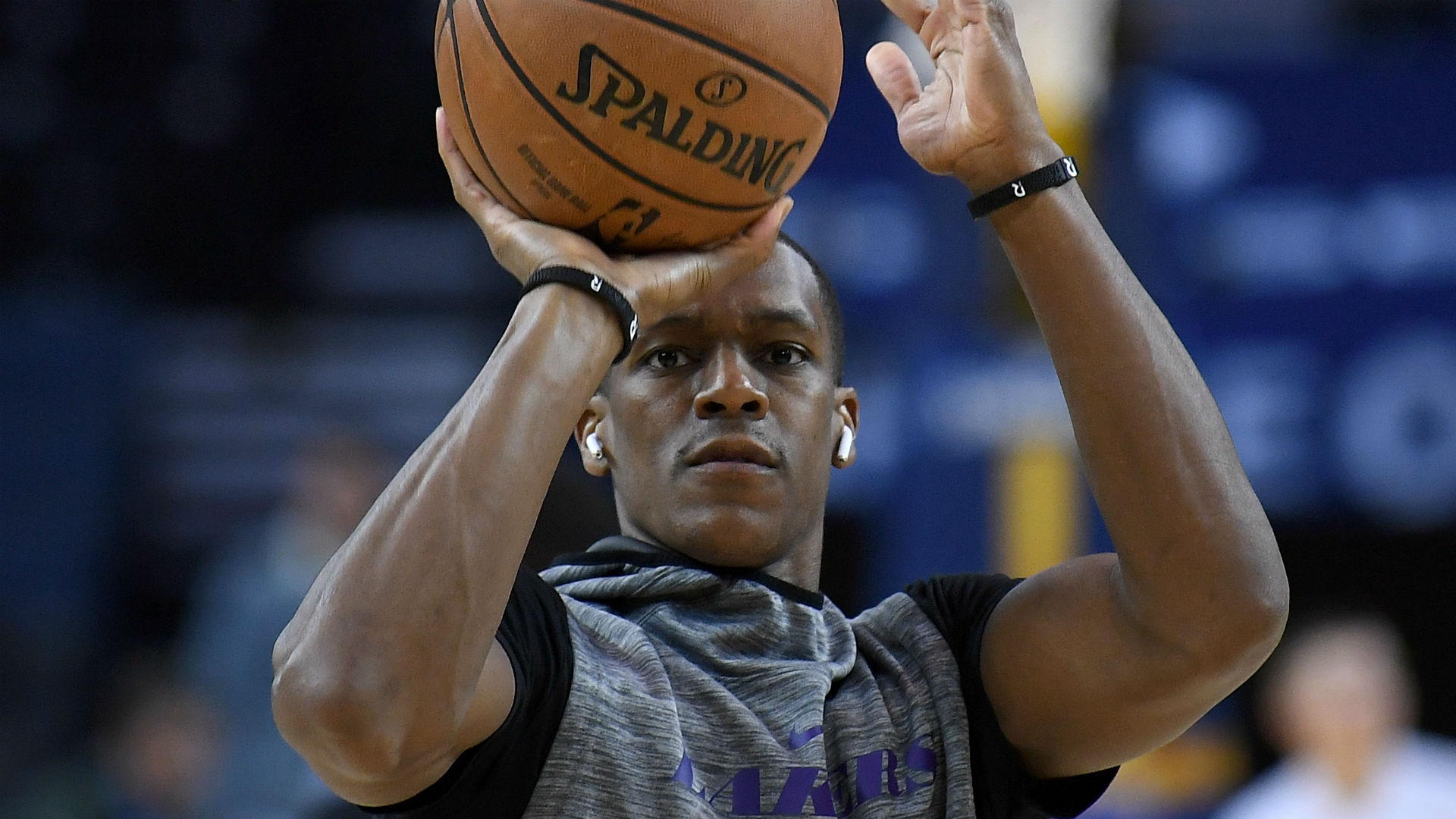 Los Angeles Lakers' Rajon Rondo Could Miss a Month of Action