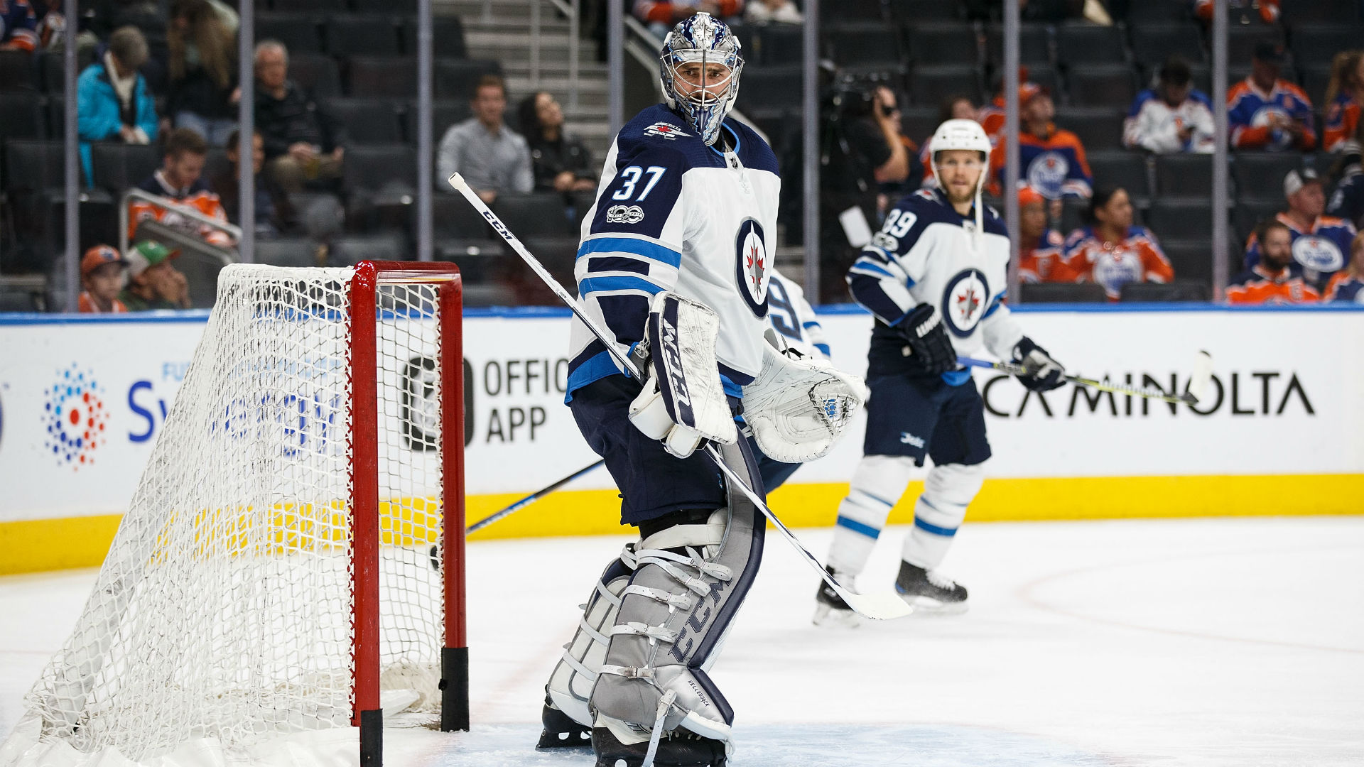 Scheifele gets hat trick, leads Jets past Stars