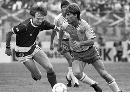 Michael Laudrup Alex McLeish Denmark Scotland 1986 FIFA World Cup