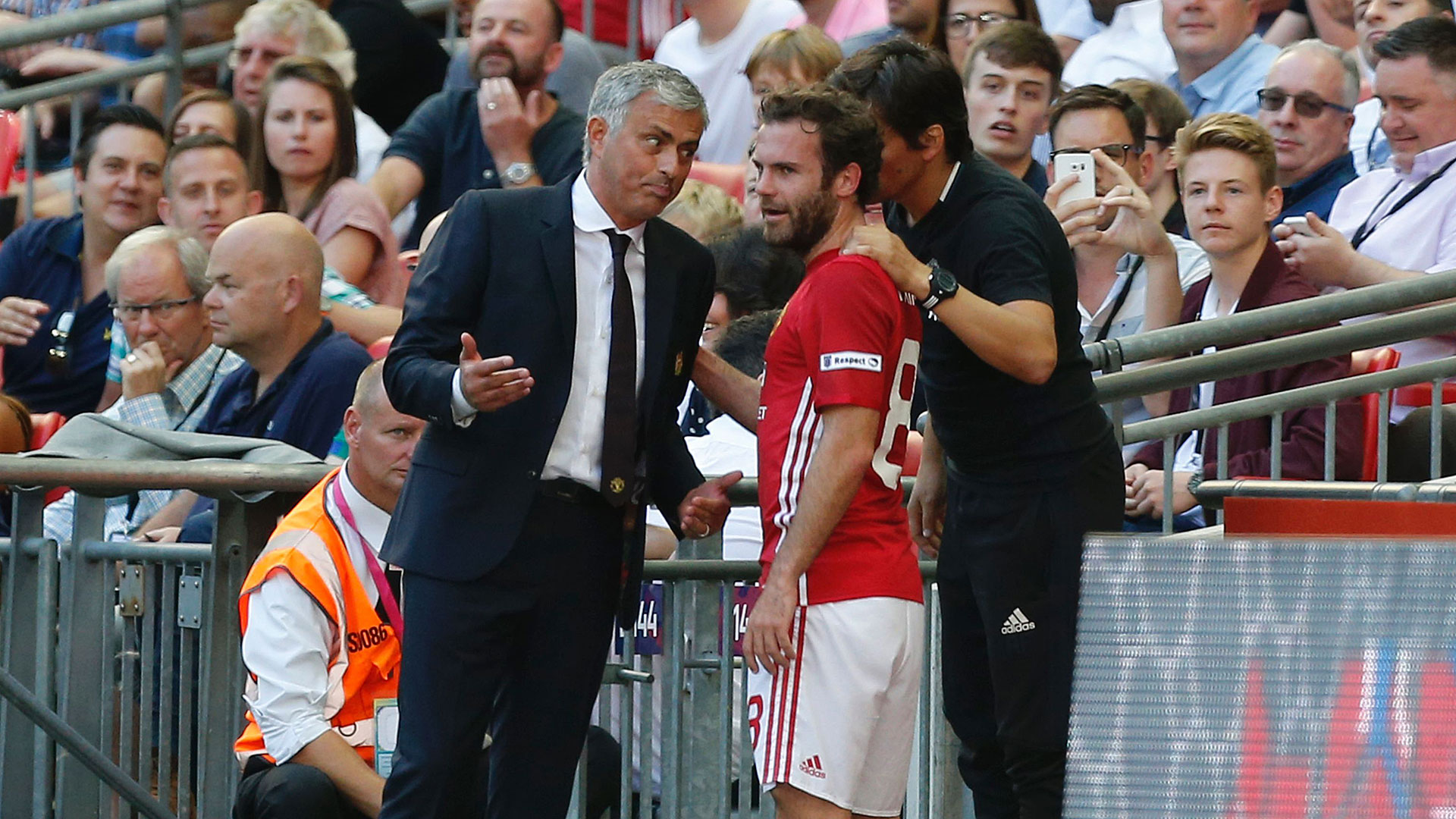 Jose Mourinho Juan Mata Manchester United 07082016