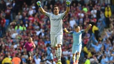 Claudio Bravo Manchester City Premier League 17092016