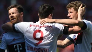 XABI ALONSO ROBERT LEWANDOWSKI THOMAS MULLER BAYERN MUNICH GERMAN BUNDESLIGA 07052016