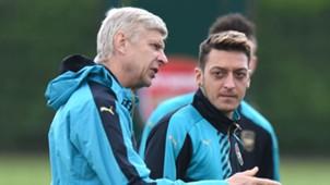 Arsene Wenger, Mesut Özil 09282015