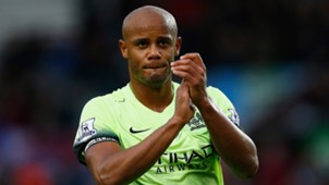 Vincent Kompany Manchester United Aston Villa Premier League 11082015