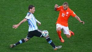 Lucas Biglia; Wesley Sneijder Netherlands v Argentina: Semi Final - 2014 FIFA World Cup 06092014