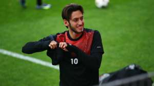 Hakan Calhanoglu Bayer Leverkusen Champions League 21102014