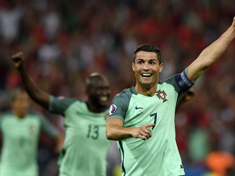 Cristiano Ronaldo é coroado enquanto Messi é condenado