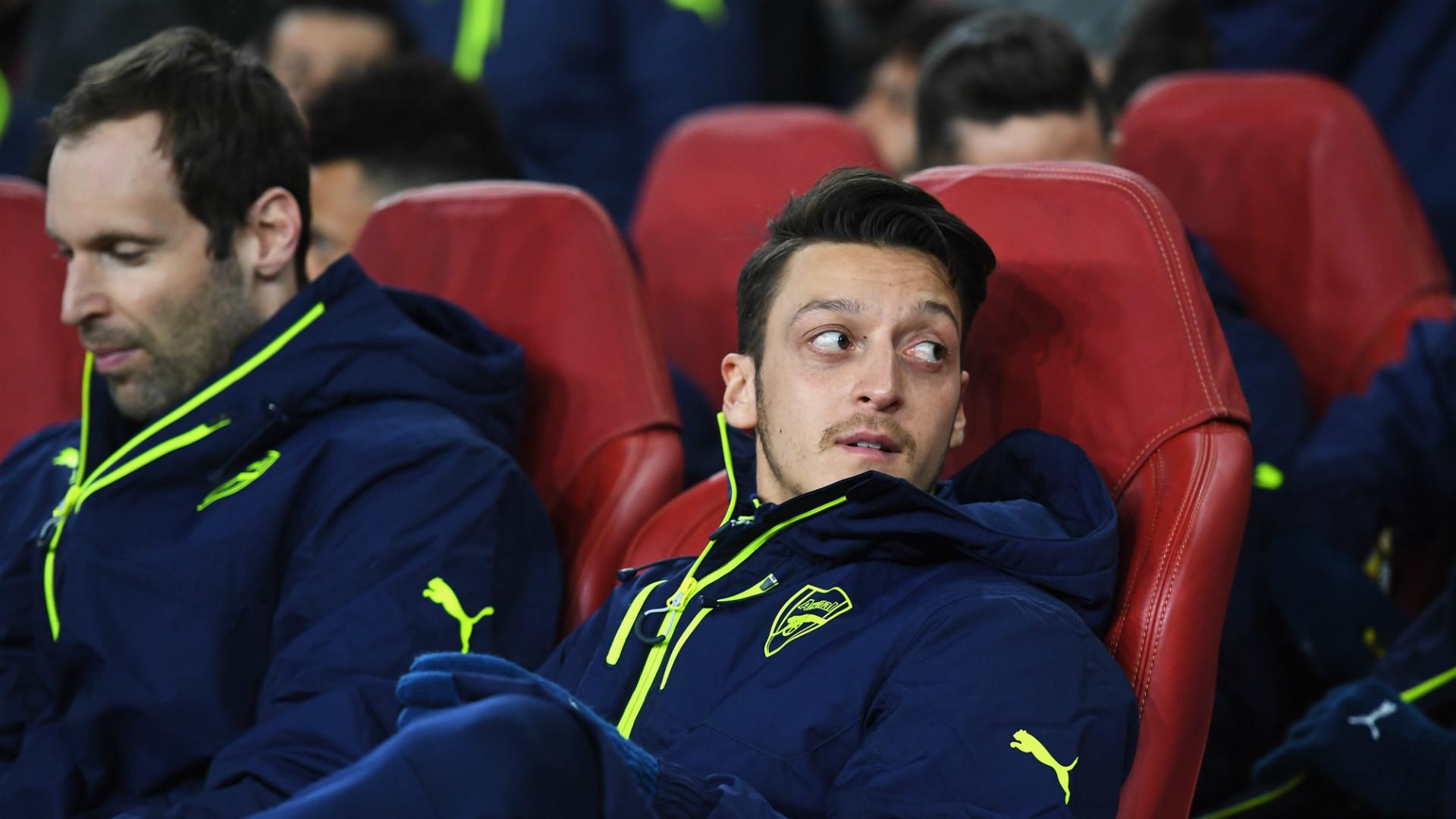 Mesut Ozil Petr Cech FC Arsenal FC Bayern München Champions League 030717