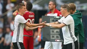Toni Kroos Bastian Schweinsteiger Deutschland 04062016