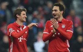 *NO GALLERY* Mats Hummels Thomas Müller Bayern Arsenal