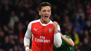 Mesut Özil 10192016