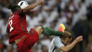 Bruno Alves Harry Kane Portugal England 06022016