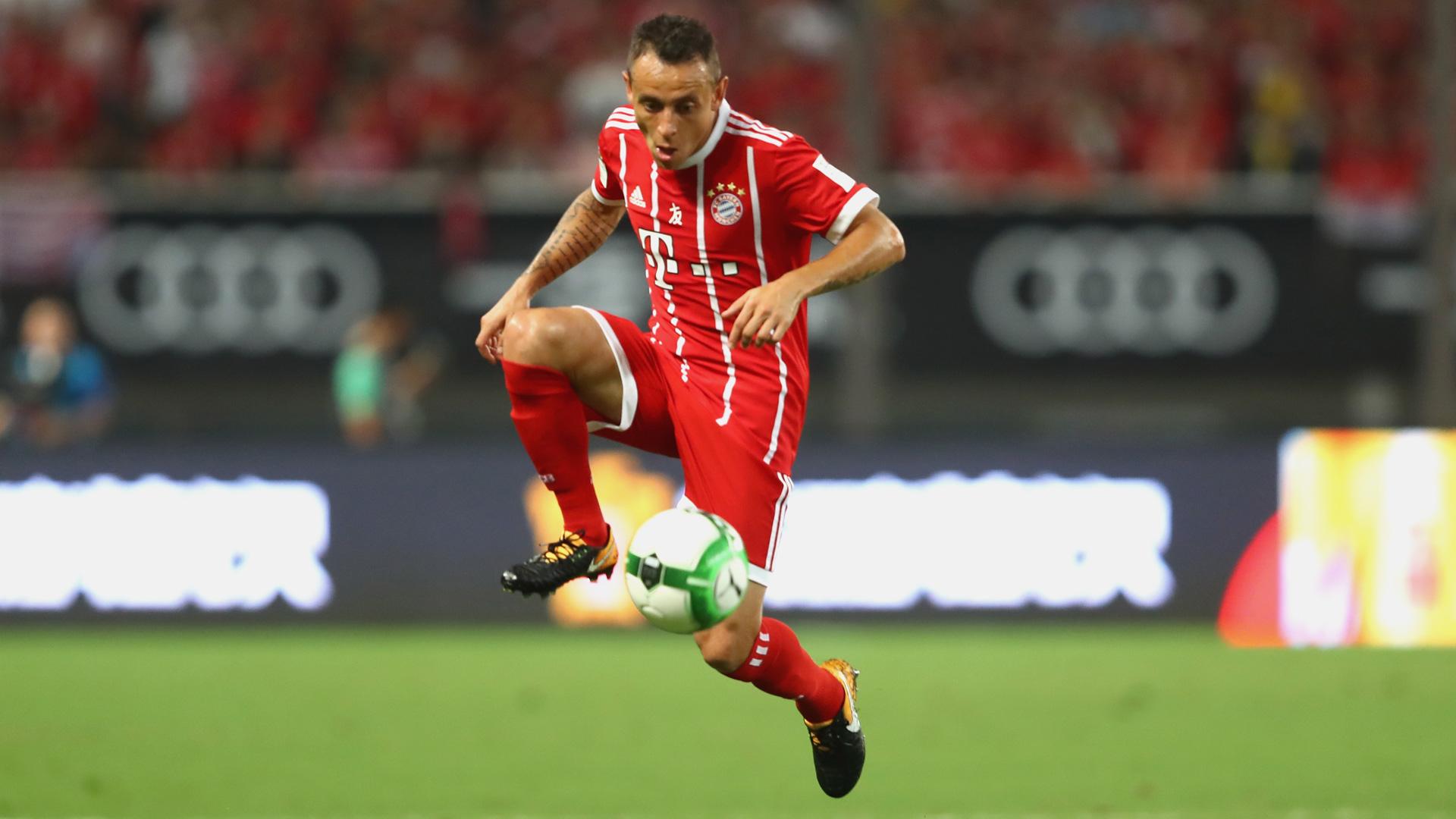 Palmeiras faz proposta pelo lateral-direito Rafinha