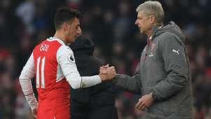 Arsene Wenger Mesut Özil FC Arsenal Premier League 22012017
