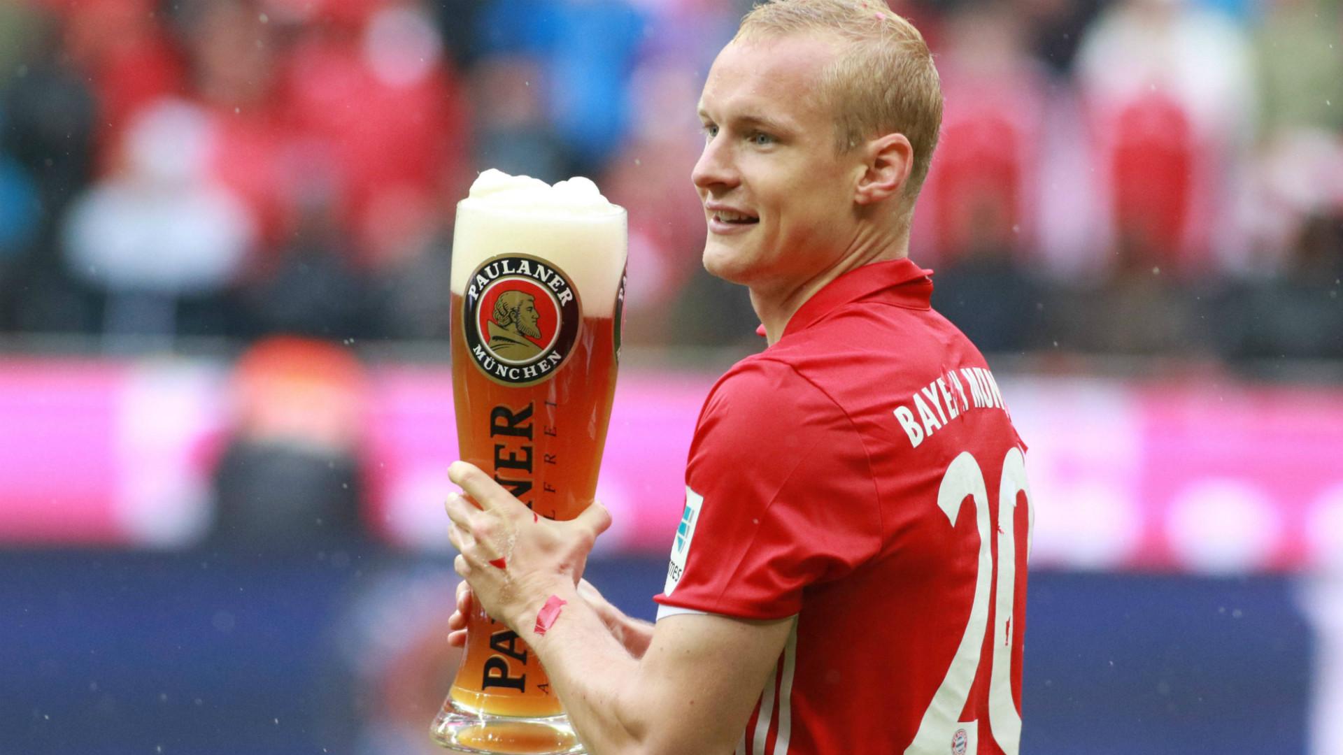 ONLY GERMANY Sebastian Rode FC Bayern Bundesliga 14052016