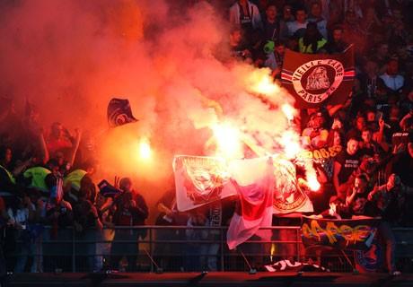 PSG Fans Pyro Bengal 460x320