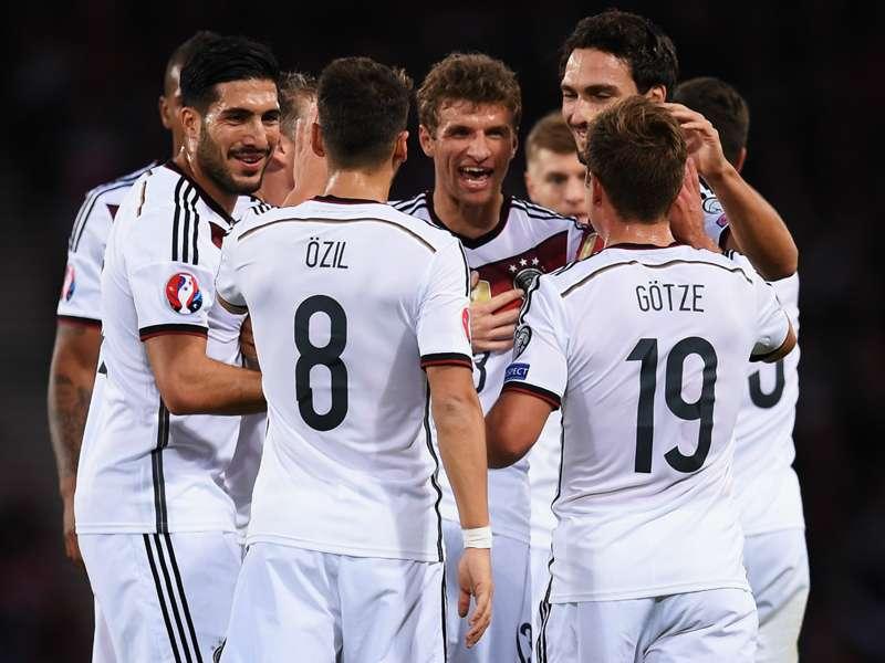 Qualificazioni Euro 2016 - Germania ok in Scozia, scorpacciata Polonia