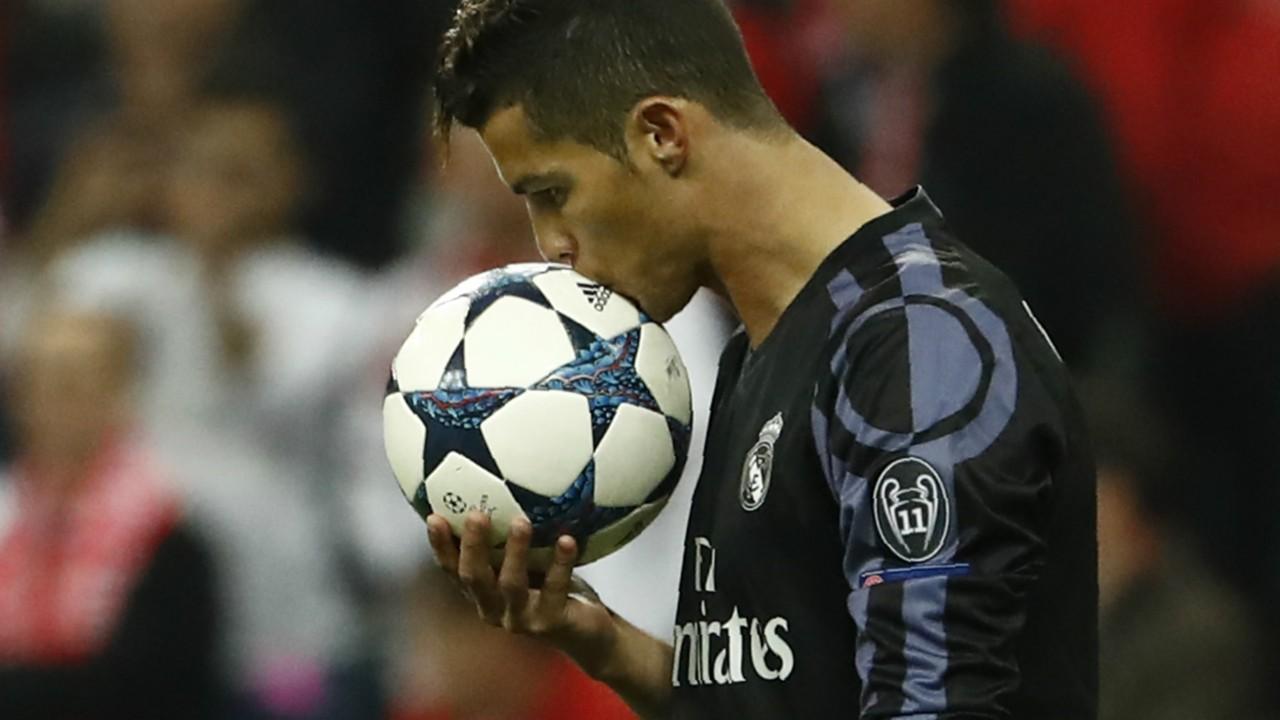 CRISTIANO RONALDO REAL MADRID UEFA CHAMPIONS LEAGUE 12042017