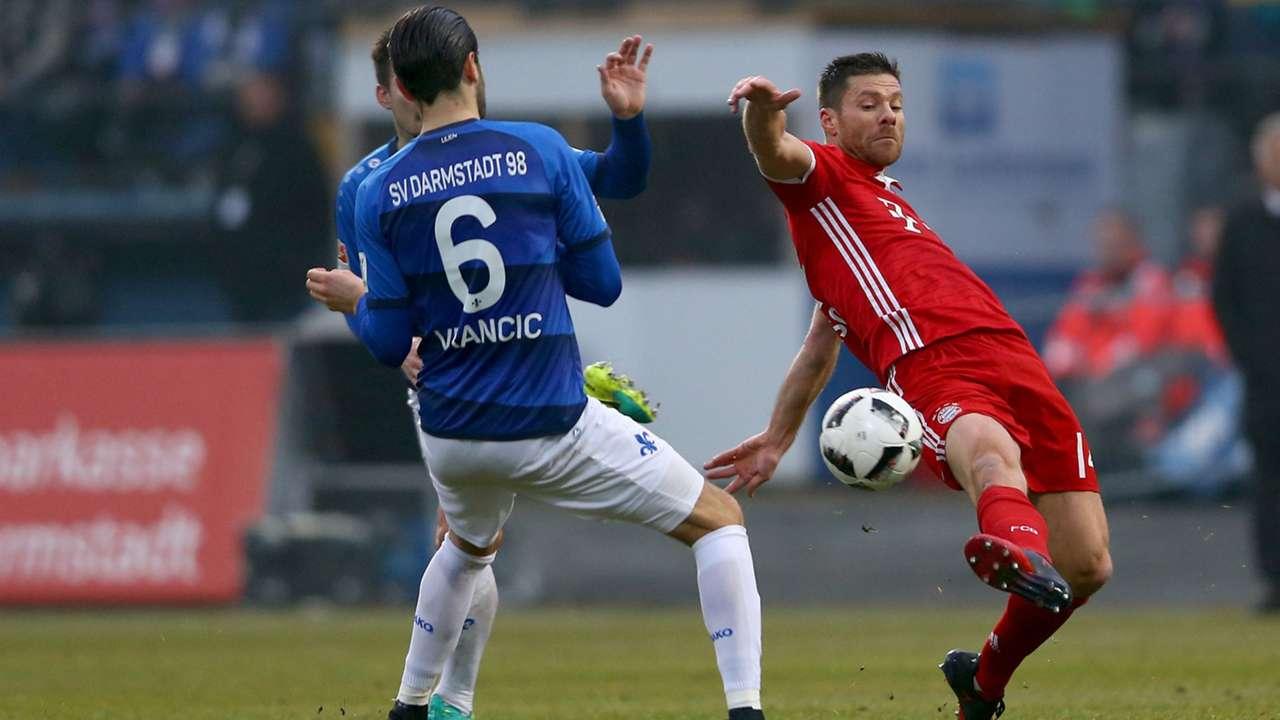 Xabi Alonso Bayern München Munich Bundesliga 18122016