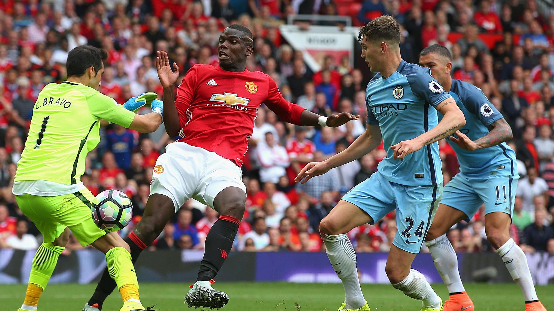 Manchester United Manchester City Paul Pogba Claudio Bravo 10262016