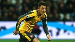Mesut Özil 12032016