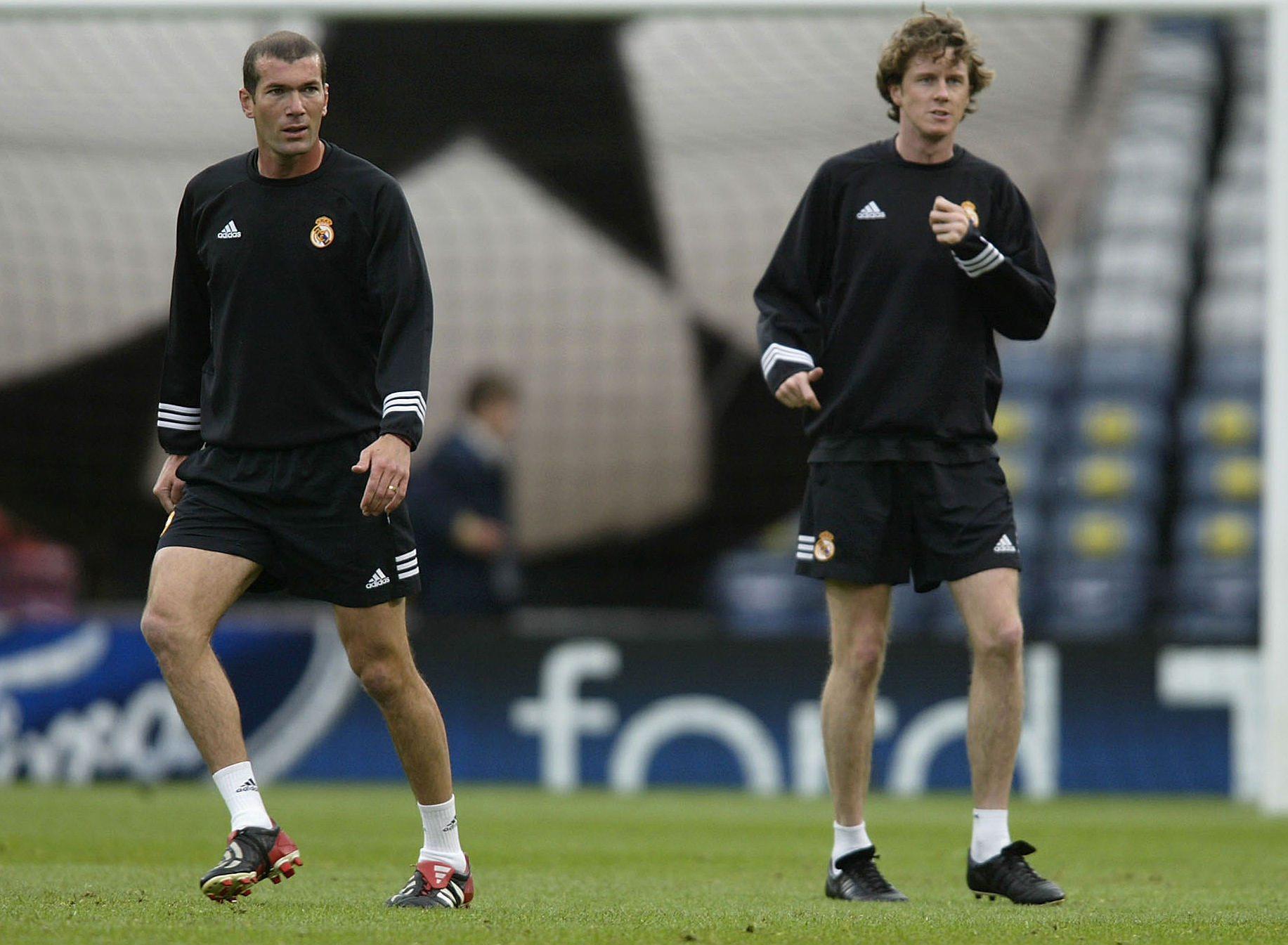 Zinedine Zidane Steve McManaman Real Madrid 2002