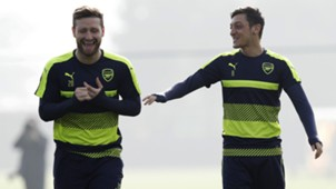 Shkodran Mustafi Mesut Ozil Arsenal