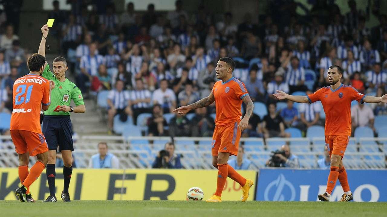 Andre Gomes Nicolas Otamendi Javi Fuego Real Sociedad Valencia La Liga 280914