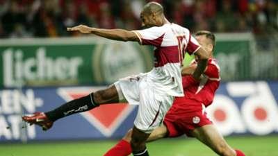 Mainz 05 Sevilla Frederick Kanoute UEFA Cup 2005