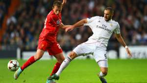 Lucas Leiva Karim Benzema Real Madrid Liverpool UEFA Champions League 11042014