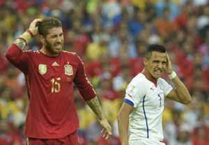 Sergio Ramos Alexis Sanchez Spain Chile 2014 World Cup Group B 06182014
