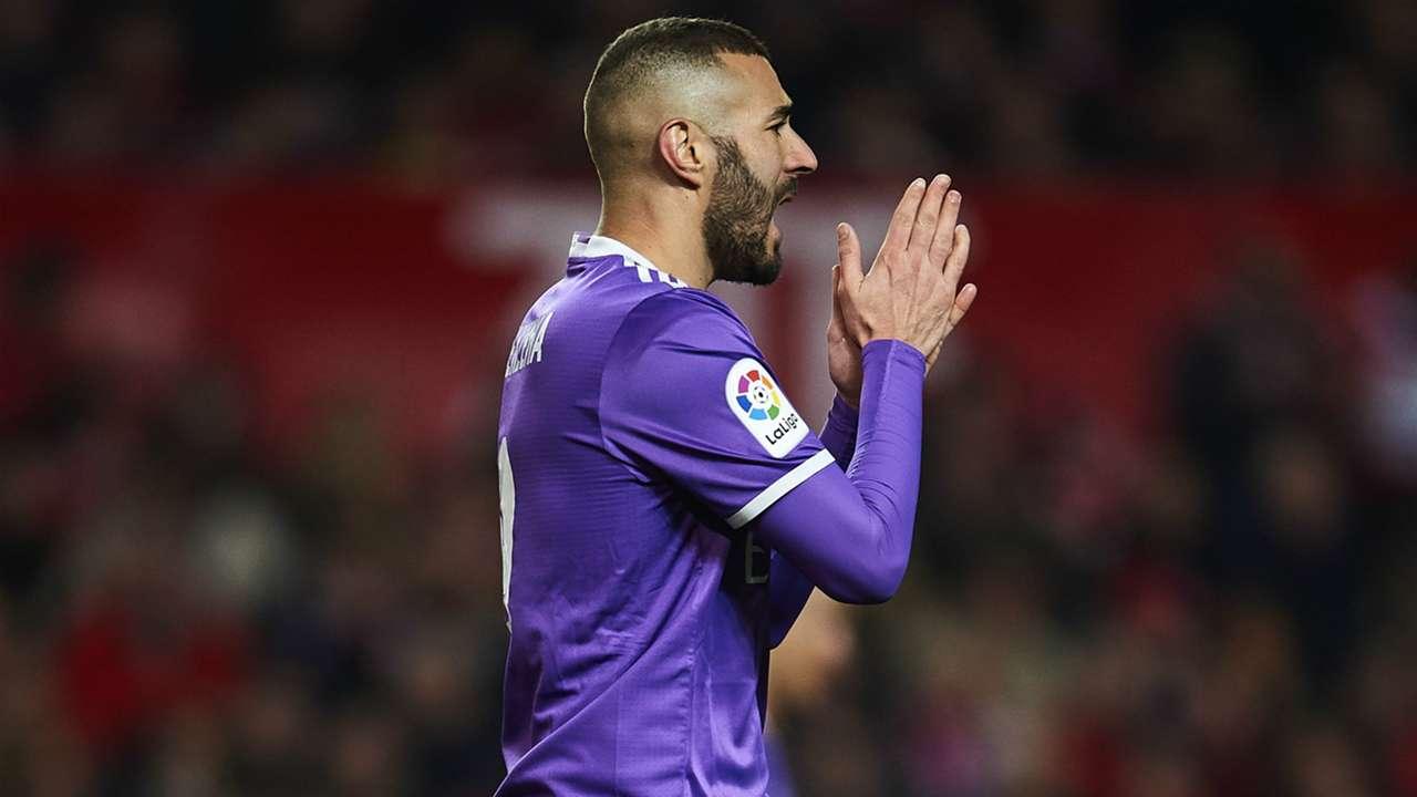 Karim Benzema Sevilla Real Madrid La Liga 15012017