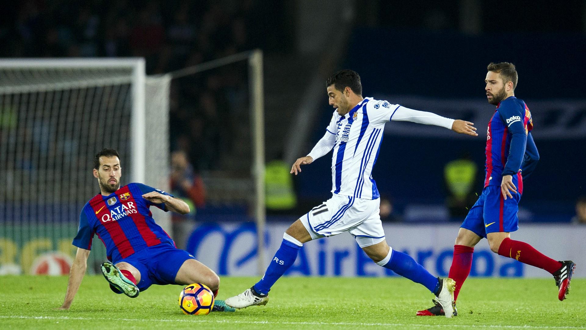 Sergio Busquets Carlos Vela Jordi Alba Real Sociedad Barcelona LaLiga