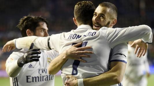 Isco Benzema Cristiano Ronaldo Osasuna Real Madrid LaLiga