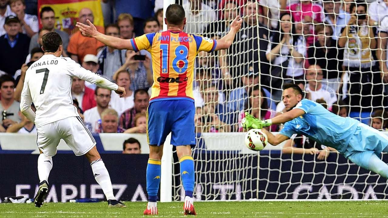Cristiano Ronaldo Diego Alves Real Madrid Valencia Liga BBVA 05092015