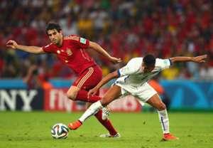 Javi Martinez Alexis Sanchez Spain Chile 2014 World Cup Group B 06182014
