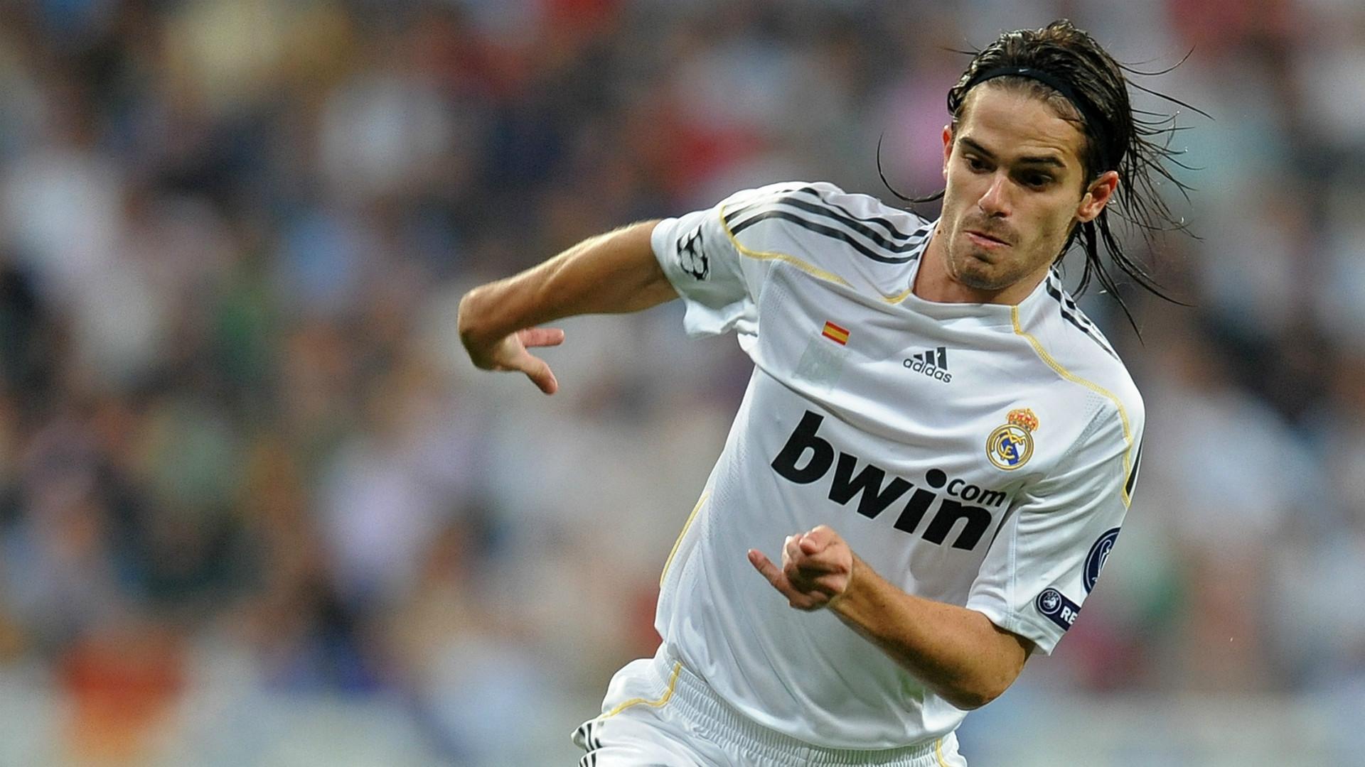 Gago Real Madrid 300909