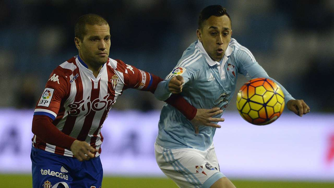 Alberto Lora Fabian Orellana Celta de Vigo Sporting Gijon La Liga 28112015