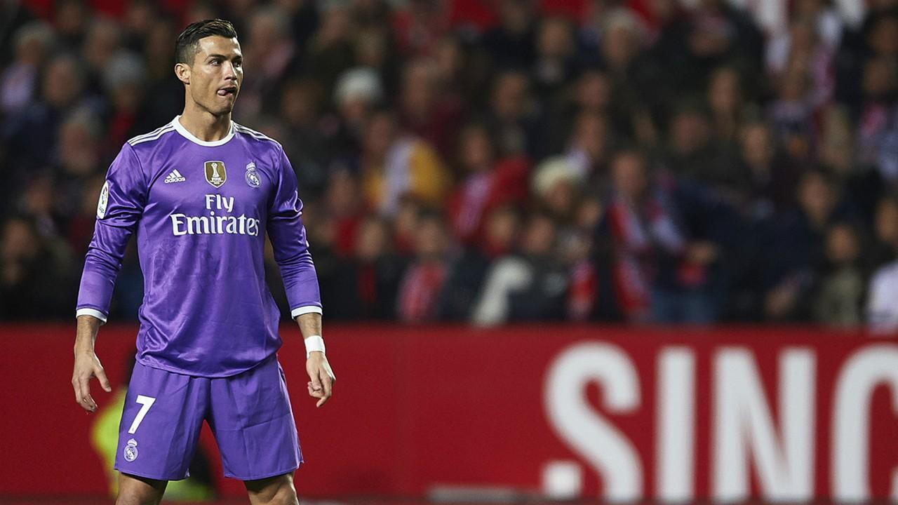 Ronaldo destroys drones with football