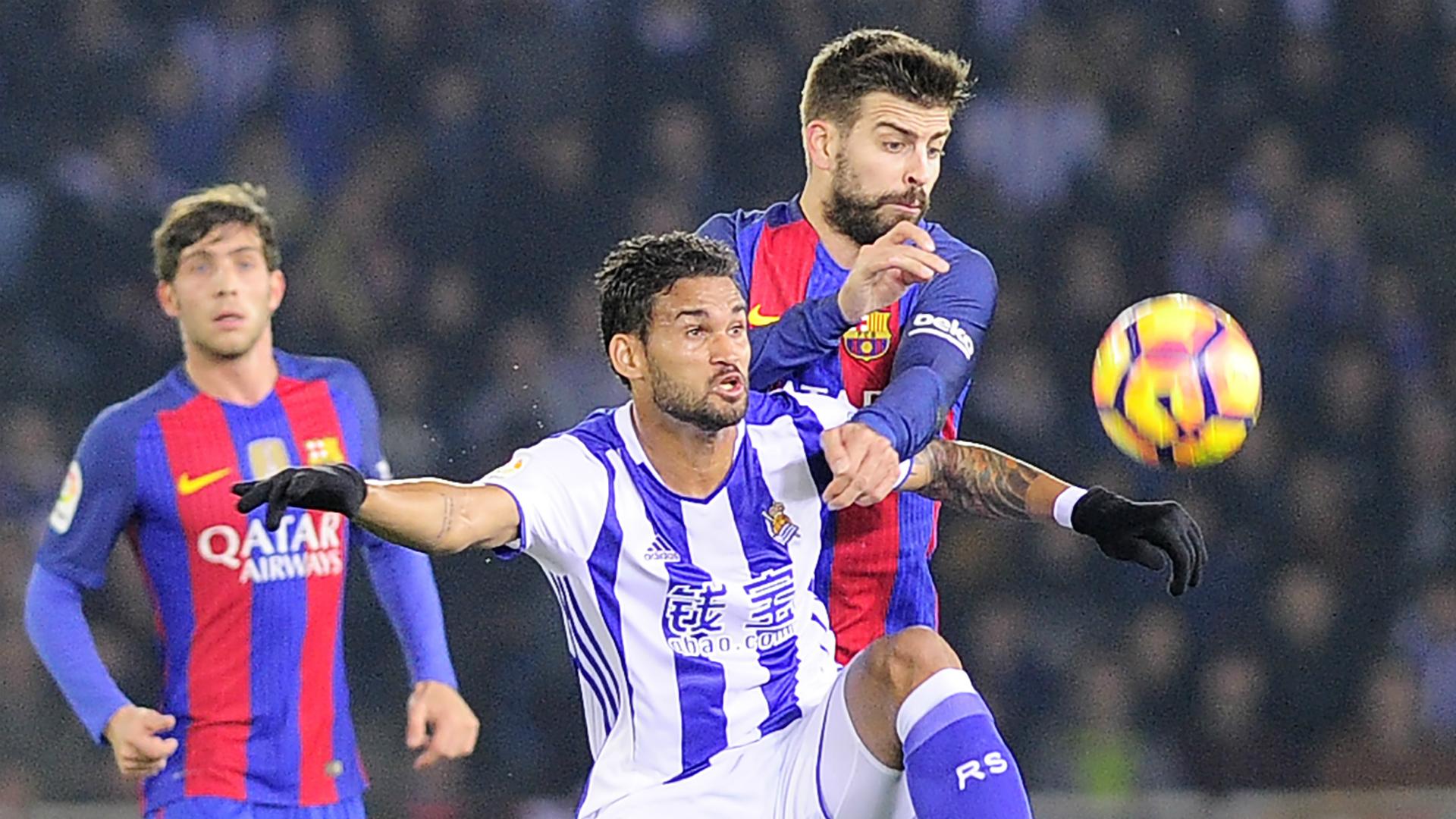 Willian Jose Gerard Pique Real Sociedad Barcelona La Liga