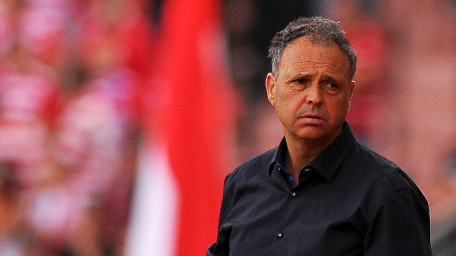 Sevilla se rencuentra con el triunfo en estreno de técnico Caparrós